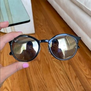 Round Black Reflective Ray bans
